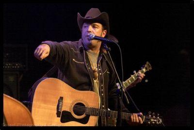 JB Beverley, Wayne Hancock, & Emo's in Austin (A review)