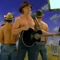 trace-adkins-shirtless