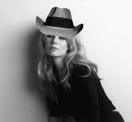 """Gwyneth Paltrow Planning to """"Go Country"""""""