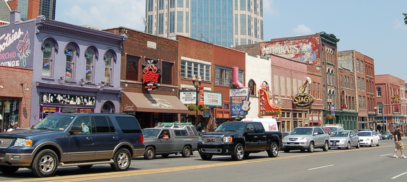 Pointer and I Visit Downtown Nashville