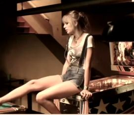 Mono-Genre Watch: Taylor Swift Records 'Both of Us' Rap w/ B.o.B.