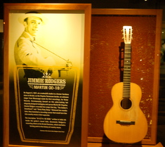 jimmie-rodgers-martin-guitar-country-music-hall-of-fame