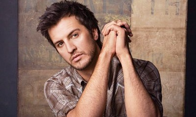"Luke Bryan Wins 9 ACA's By Winning ""Best Female"" Awards"