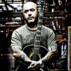 "Aaron Lewis Says ""That Is Not Country Music, I'm Sorry"""