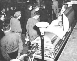 hank-williams-in-casket