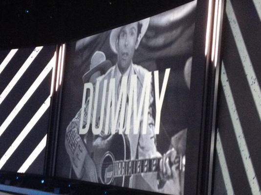 "Kravitz Flips Off Country Crowd, Hank Williams Marked ""DUMMY"""