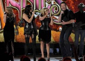 "The Pistol Annies, Miranda Lambert, & Ashley Monroe are considered favorites of mainstream traditional country fans. They collaborated on Blake Shelton's country rap ""Boys 'Round Here"""