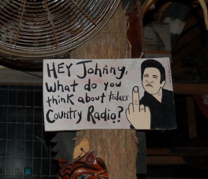 johnny-cash-middle-finger-sign