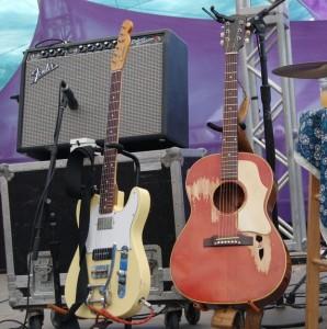 tift-merritt-guitar