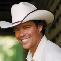 """Clay Walker is """"Pissed Off"""" About Rock Artists Playing Country"""