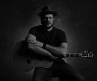 "Album Review – Jason Eady's ""Daylight & Dark"""