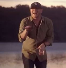"Cole Swindell's Horrifically Generic ""Chillin' It"" (A Rant)"