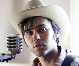 Shakey Graves Secures a Band for a New Approach