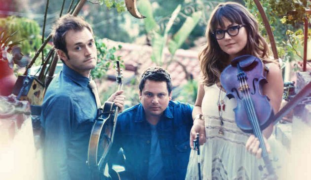 "Nickel Creek Returns with ""A Dotted Line"""