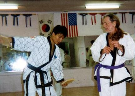 willie-nelson-martial-arts