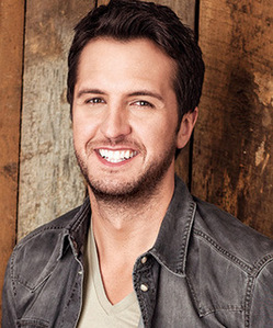 Luke Bryan Falls Off Stage in Charlotte, North Carolina