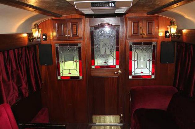 Take a Tour of Willie Nelson's Vintage Tour Bus | Saving ...