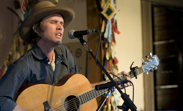 "Review – Willie Watson's ""Folk Singer Vol. 1"""