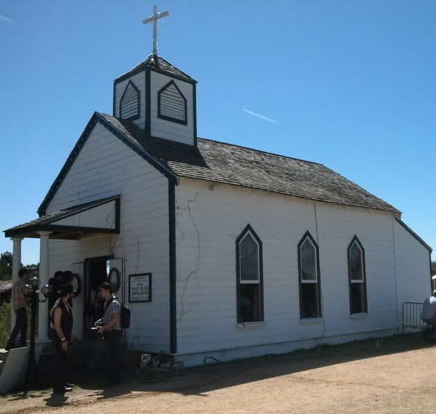 luck-tx-chapel
