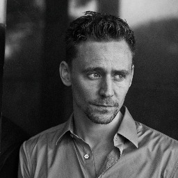 Tom Hiddleston Gives First Impression of Hank Williams Role