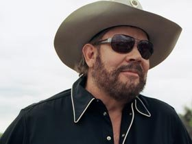 Hank Williams Jr. Signs to Big Machine's NASH Icon