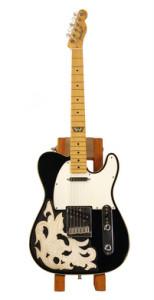 waylon-guitar-auction