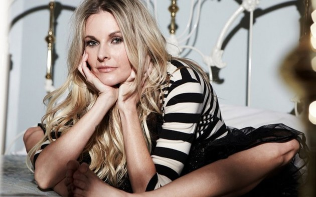 Elizabeth Cook Cancels Shows to Deal With Personal Matters