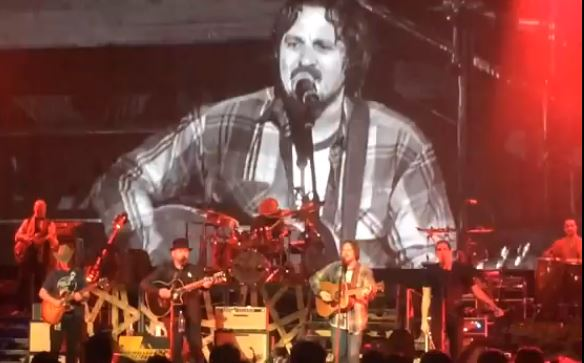 "Sturgill Simpson Playing ""Can't You See"" with Zac Brown Band"