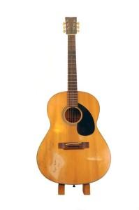 waylon-jennings-guitar-yamaha-roger-miller-1976