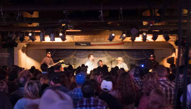 Review – Turnpike Troubadours Play 3-Night Run at Historic Gruene Hall