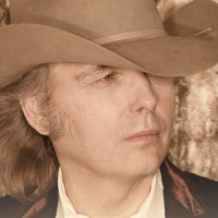 """Dwight Yoakam Working On New FOX Comedy Series """"Belles & Whistles"""""""