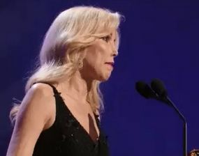 Kim Campbell accepting Glen Campbell's Grammy