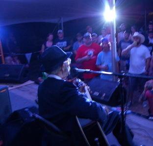 Robert Belfour performing at the Muddy Roots Festival