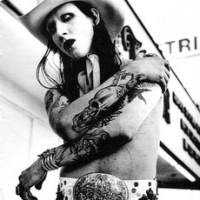 """Marilyn Manson Working on """"Southern-Style Acoustic"""" Country Project"""