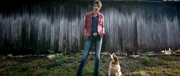"Song Review – Mo Pitney ""It's Just A Dog"""