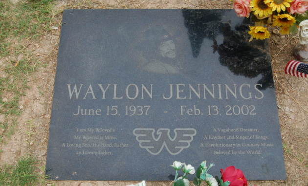 A Visit to the Grave of Waylon Jennings