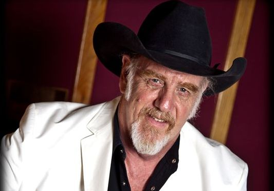 "Ray Benson of Asleep At The Wheel Calls out Luke Bryan / Modern Country. ""There's No Originality"""