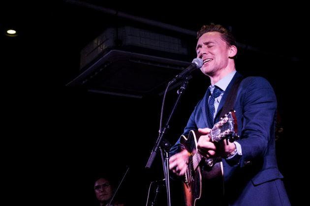 tom-hiddleston-i-saw-the-light-1