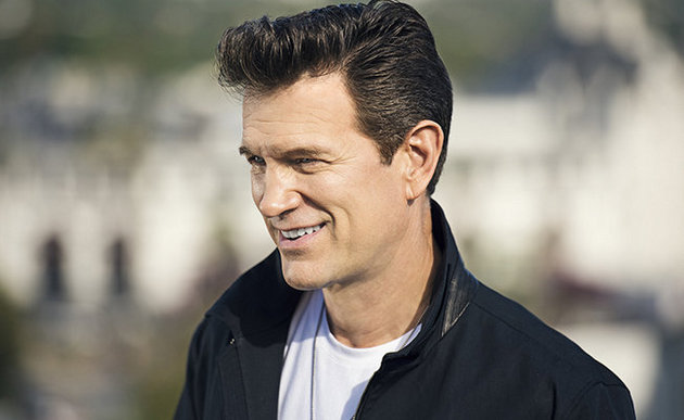 "Album Review – Chris Isaak's ""First Comes The Night"""