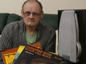 Man Jailed 4 Months for Playing Johnny Cash and Dolly Parton Records Too Loud