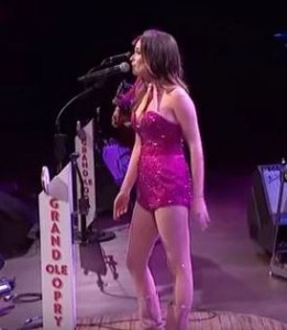 kacey-musgraves-no-pants