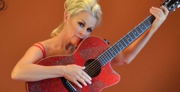 Lorrie Morgan Calls Out Blake Shelton for Not Paying His Grand Ole Opry Dues