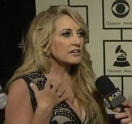 Some Bastards' Bodyguards Shoved Around Lee Ann Womack at the Grammy Awards