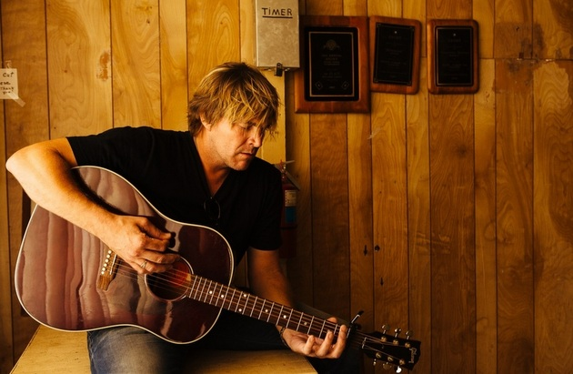 "Jack Ingram Signs with Rounder, Will (Finally) Release New Album ""Midnight Motel"""