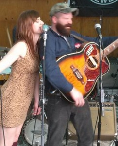 Erin Bru and Bug Jennings performing at the Brooklyn Country Cantina, 2014