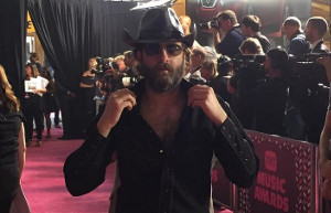 wheeler-walker-jr-cmt-red-carpet