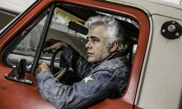 Dale Watson Is Taking His Chicken $hit Bingo On The Road
