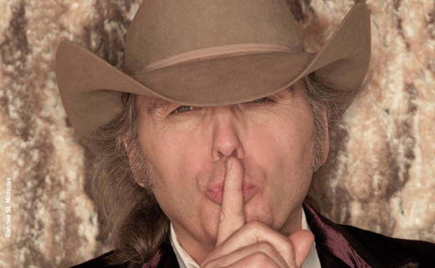 "Dwight Yoakam to Release Bluegrass Album ""Swimmin' Pools, Movie Stars"""