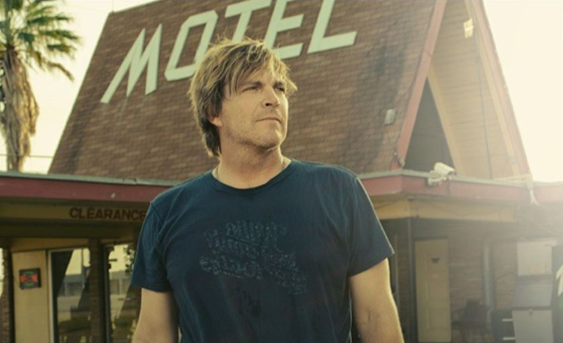 Jack Ingram Doesn't Give A Damn on 'Midnight Motel' & It's Pretty Brilliant