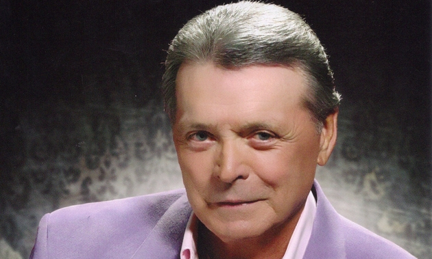 "Mickey Gilley Releases First New Album in 20 Years – ""Kickin' It Down The Road"""